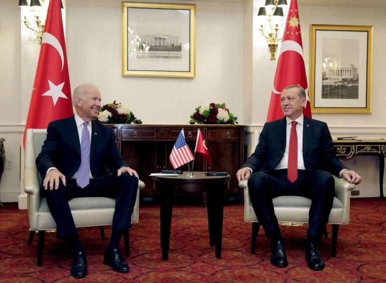 Ερντογάν : Το πήρε απόφαση και συνεχάρη τον Μπάιντεν – Τι λέει στο μήνυμά του