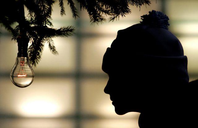 Κοροναϊός : Πρωτόγνωρα Χριστούγεννα με όριο ατόμων στο τραπέζι και SMS παντού