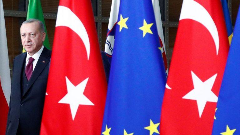 Σφίγγει ο κλοιός για τον Ερντογάν λίγο πριν τη Σύνοδο Κορυφής της ΕΕ – Τι δείχνει η επίθεση Πομπέο κατά της Τουρκίας