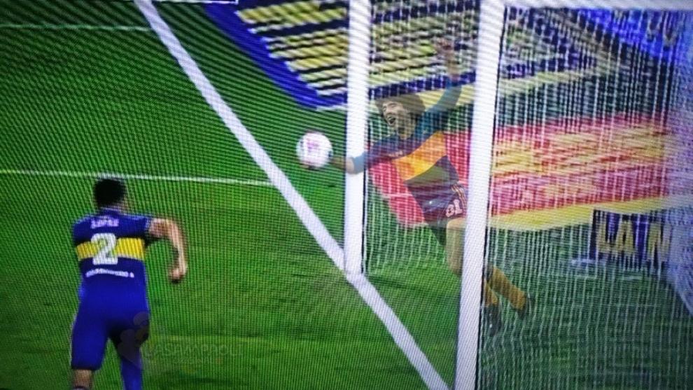 Boca Juniors vs River Plate: Diego Maradona 'le da una mano' a Boca Juniors desde el cielo | MARCA Claro Colombia