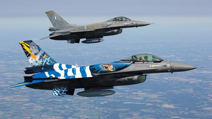 Ελληνικά F-16 πέταξαν πάνω από τα Σκόπια για τον ένα χρόνο από την ένταξη στο ΝΑΤΟ