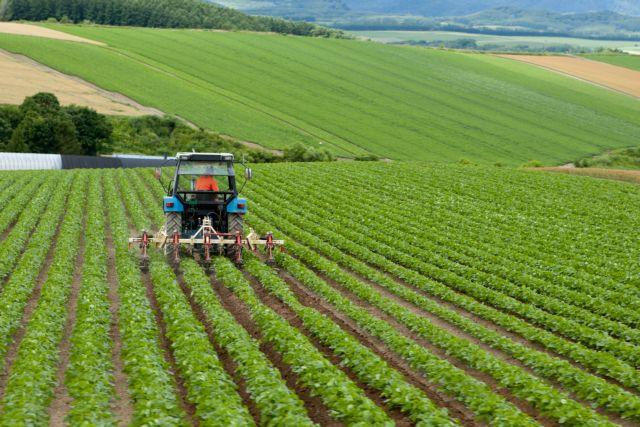 Προγράμματα ύψους 1,5 δισ. ευρώ για τους αγρότες